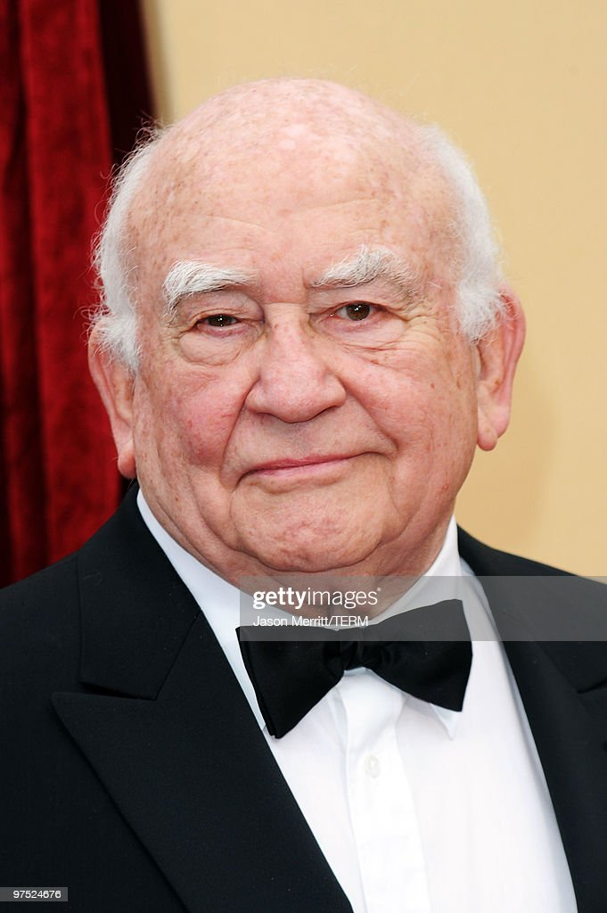 Actor Edward Asner arrives at the 82nd Annual Academy Awards held at Kodak Theatre on March 7, 2010 in Hollywood, California.