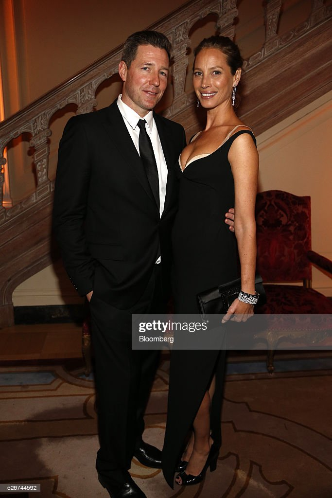 Actor Edward Burns, left, and supermodel Christy Turlington attend the Bloomberg Vanity Fair White House Correspondents' Association (WHCA) dinner afterparty in Washington, D.C., U.S., on Saturday, April 30, 2016. The 102nd WHCA raises money for scholarships and honors the recipients of the organization's journalism awards. Photographer: Andrew Harrer/Bloomberg via Getty Images