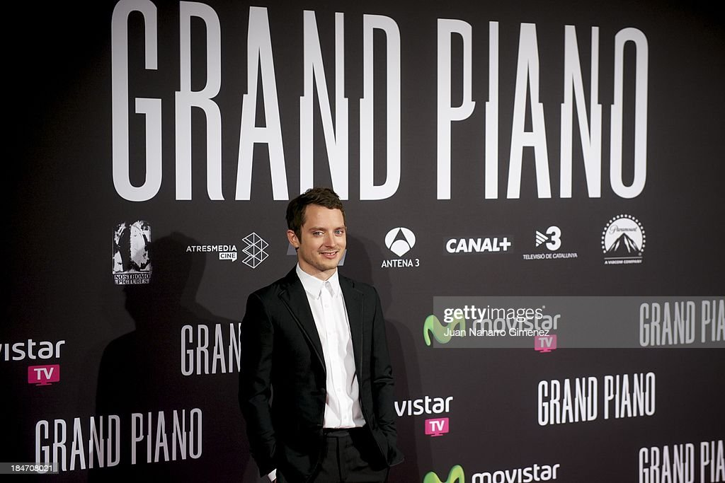 Actor <a gi-track='captionPersonalityLinkClicked' href=/galleries/search?phrase=Elijah+Wood&family=editorial&specificpeople=171364 ng-click='$event.stopPropagation()'>Elijah Wood</a> attends 'Grand Piano' premiere at Capitol Cinema on October 15, 2013 in Madrid, Spain.