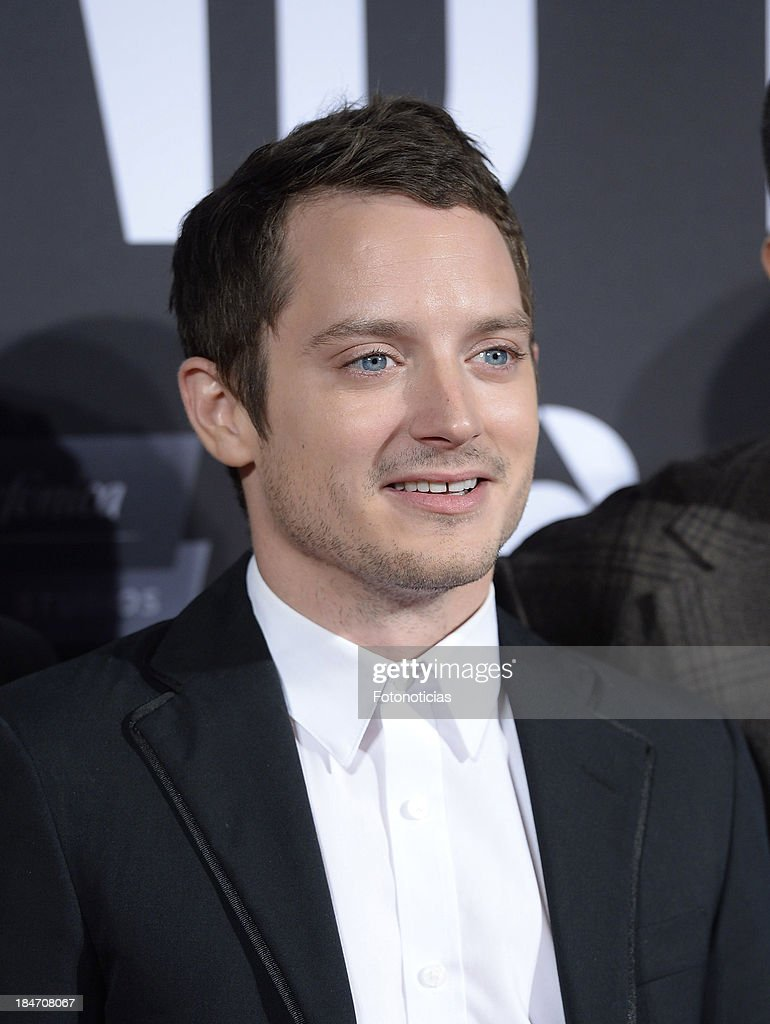 Actor <a gi-track='captionPersonalityLinkClicked' href=/galleries/search?phrase=Elijah+Wood&family=editorial&specificpeople=171364 ng-click='$event.stopPropagation()'>Elijah Wood</a> attends the premiere of 'Grand Piano' at Capitol cinema on October 15, 2013 in Madrid, Spain.