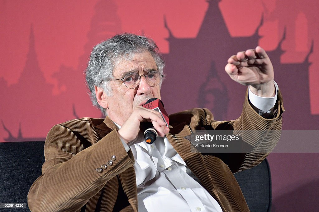 Actor Elliott Gould speaks onstage during 'M*A*S*H' screening during day 4 of the TCM Classic Film Festival 2016 on May 1, 2016 in Los Angeles, California. 25826_005