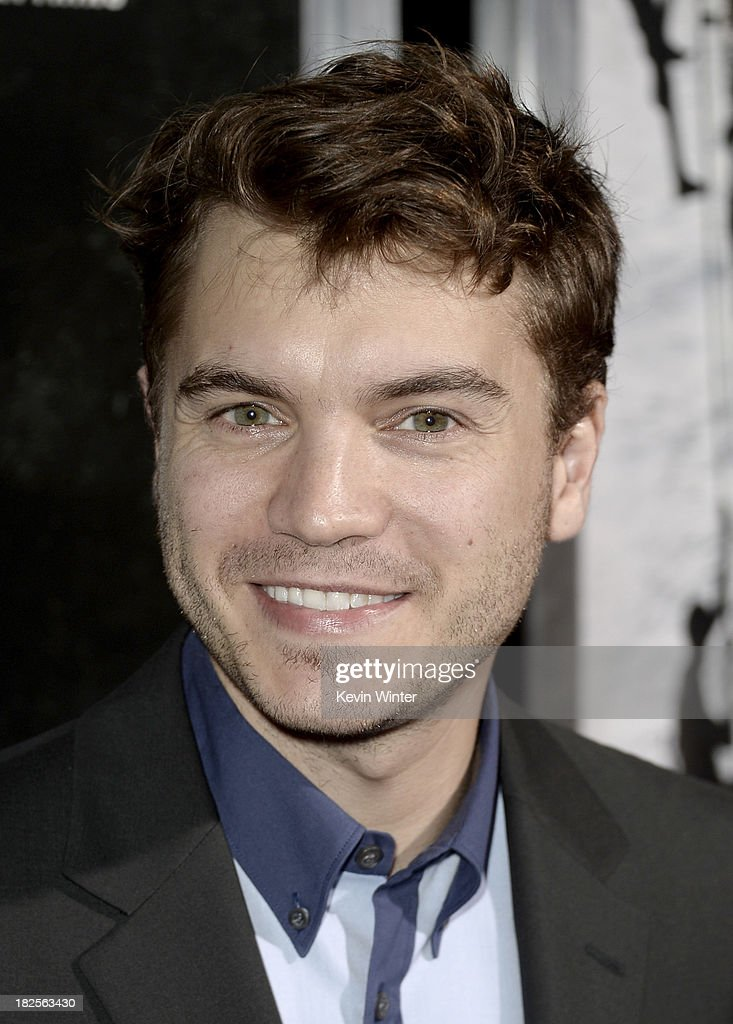 Actor <a gi-track='captionPersonalityLinkClicked' href=/galleries/search?phrase=Emile+Hirsch&family=editorial&specificpeople=210805 ng-click='$event.stopPropagation()'>Emile Hirsch</a> arrives at the premiere of Columbia Pictures' 'Captain Phillips' at the Academy of Motion Picture Arts and Sciences on September 30, 2013 in Beverly Hills, California.
