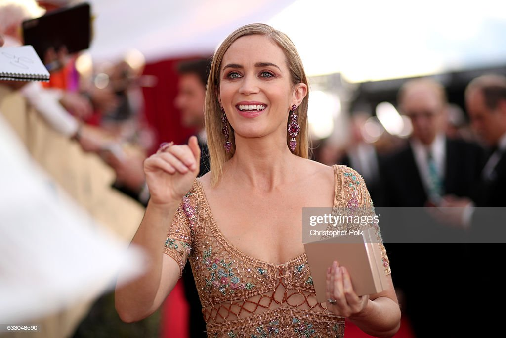 Actor Emily Blunt attends The 23rd Annual Screen Actors Guild Awards at The Shrine Auditorium on January 29, 2017 in Los Angeles, California. 26592_012