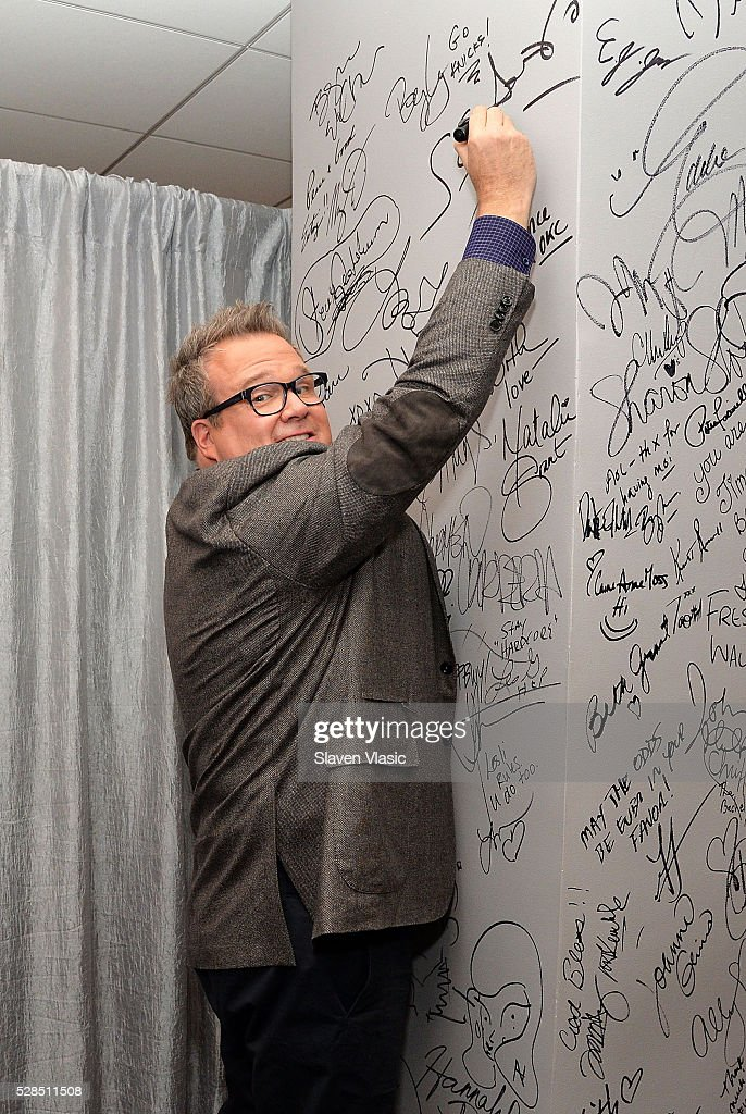 Actor Eric Stonestreet visits AOL Build to discuss the 'Ready. Raise. Rise.' campaign which he is a part of at AOL Studios In New York on May 5, 2016 in New York City.