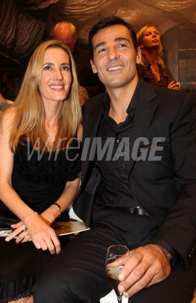 actor erol sander and his wife caroline attend the unrath strano wireimage italia 104064987. Black Bedroom Furniture Sets. Home Design Ideas
