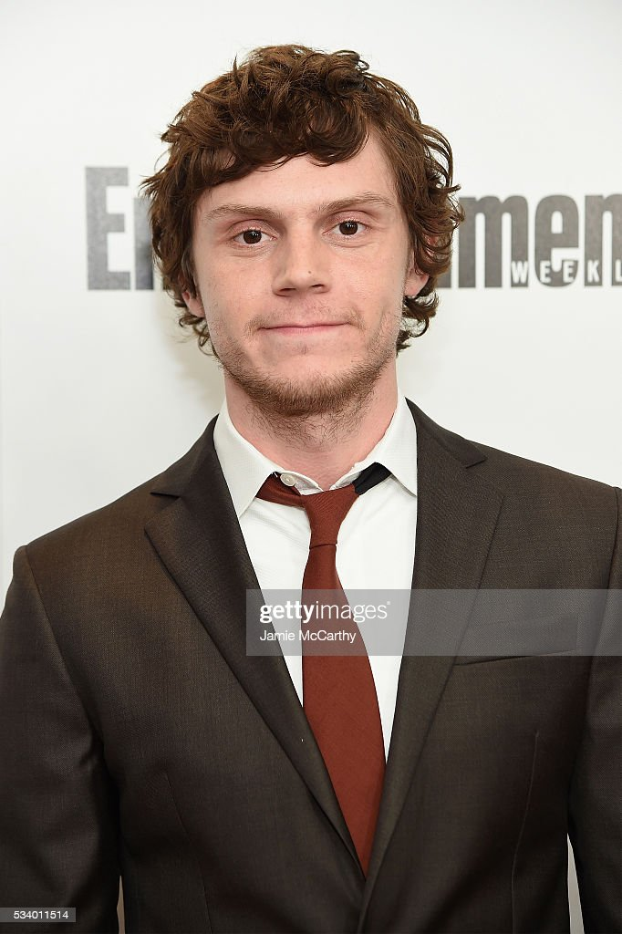 Actor Evan Peters attends the 'X-Men Apocalypse' New York screening at Entertainment Weekly on May 24, 2016 in New York City.