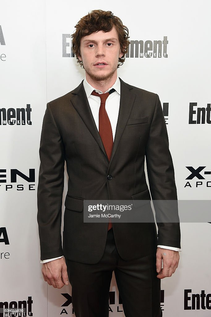 Actor <a gi-track='captionPersonalityLinkClicked' href=/galleries/search?phrase=Evan+Peters&family=editorial&specificpeople=2301160 ng-click='$event.stopPropagation()'>Evan Peters</a> attends the 'X-Men Apocalypse' New York screening at Entertainment Weekly on May 24, 2016 in New York City.