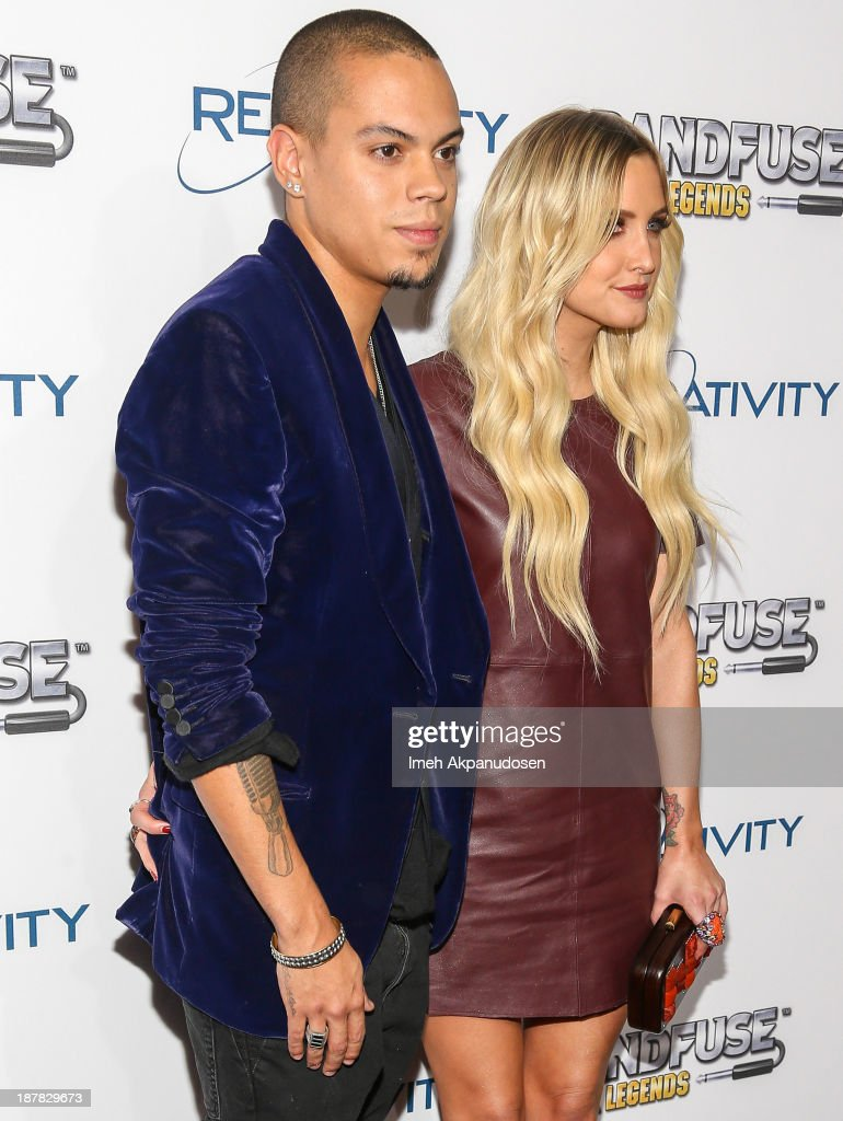 Actor <a gi-track='captionPersonalityLinkClicked' href=/galleries/search?phrase=Evan+Ross&family=editorial&specificpeople=711885 ng-click='$event.stopPropagation()'>Evan Ross</a> (L) and actress/singer <a gi-track='captionPersonalityLinkClicked' href=/galleries/search?phrase=Ashlee+Simpson&family=editorial&specificpeople=201809 ng-click='$event.stopPropagation()'>Ashlee Simpson</a> attend the BandFuse: Rock Legends video game launch event at House of Blues Sunset Strip on November 12, 2013 in West Hollywood, California.