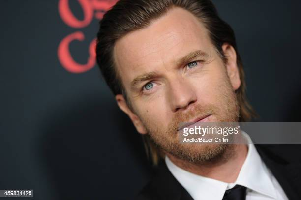 Actor Ewan McGregor arrives at the Los Angeles Premiere of 'August Osage County' at Regal Cinemas LA Live on December 16 2013 in Los Angeles...