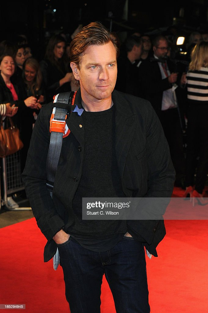 Actor <a gi-track='captionPersonalityLinkClicked' href=/galleries/search?phrase=Ewan+McGregor&family=editorial&specificpeople=202863 ng-click='$event.stopPropagation()'>Ewan McGregor</a> attends a screening of 'Locke' during the 57th BFI London Film Festival at Odeon West End on October 18, 2013 in London, England.>>