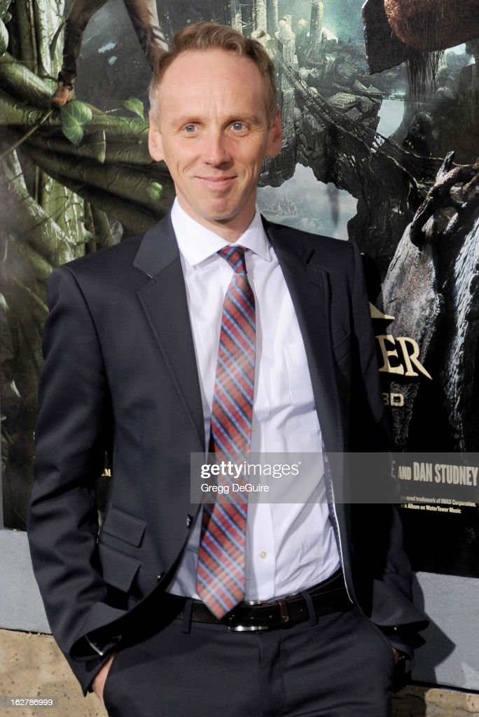 Actor <a gi-track='captionPersonalityLinkClicked' href=/galleries/search?phrase=Ewen+Bremner&family=editorial&specificpeople=171381 ng-click='$event.stopPropagation()'>Ewen Bremner</a> arrives at the Los Angeles premiere of 'Jack The Giant Slayer' at TCL Chinese Theatre on February 26, 2013 in Hollywood, California.
