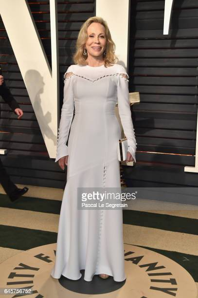 Actor Faye Dunaway attends the 2017 Vanity Fair Oscar Party hosted by Graydon Carter at Wallis Annenberg Center for the Performing Arts on February...
