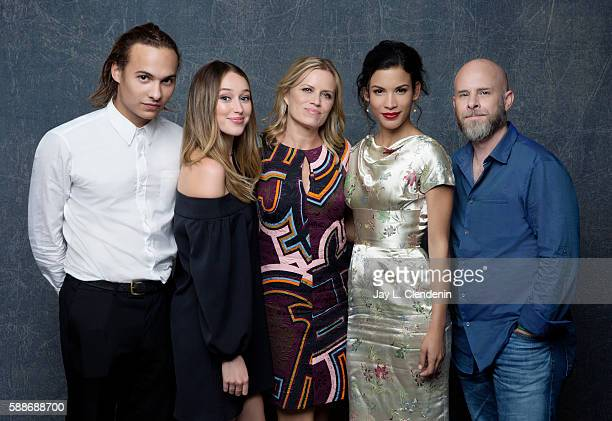 Actor Frank Dillane Alycia Debnam Carey Kim Dickens Danay Garcia and producer Dave Erickson of 'Fear the Walking Dead' are photographed for Los...