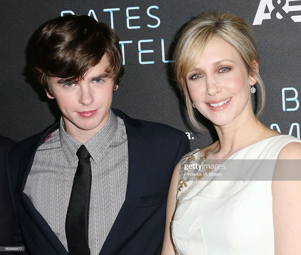 Actor <a gi-track='captionPersonalityLinkClicked' href=/galleries/search?phrase=Freddie+Highmore&family=editorial&specificpeople=210834 ng-click='$event.stopPropagation()'>Freddie Highmore</a> (L) and actress <a gi-track='captionPersonalityLinkClicked' href=/galleries/search?phrase=Vera+Farmiga&family=editorial&specificpeople=227012 ng-click='$event.stopPropagation()'>Vera Farmiga</a> attend the Premiere of A&E Network's 'Bates Motel' at the Soho House West Hollywood, on March 12, 2013 in West Hollywood, California.