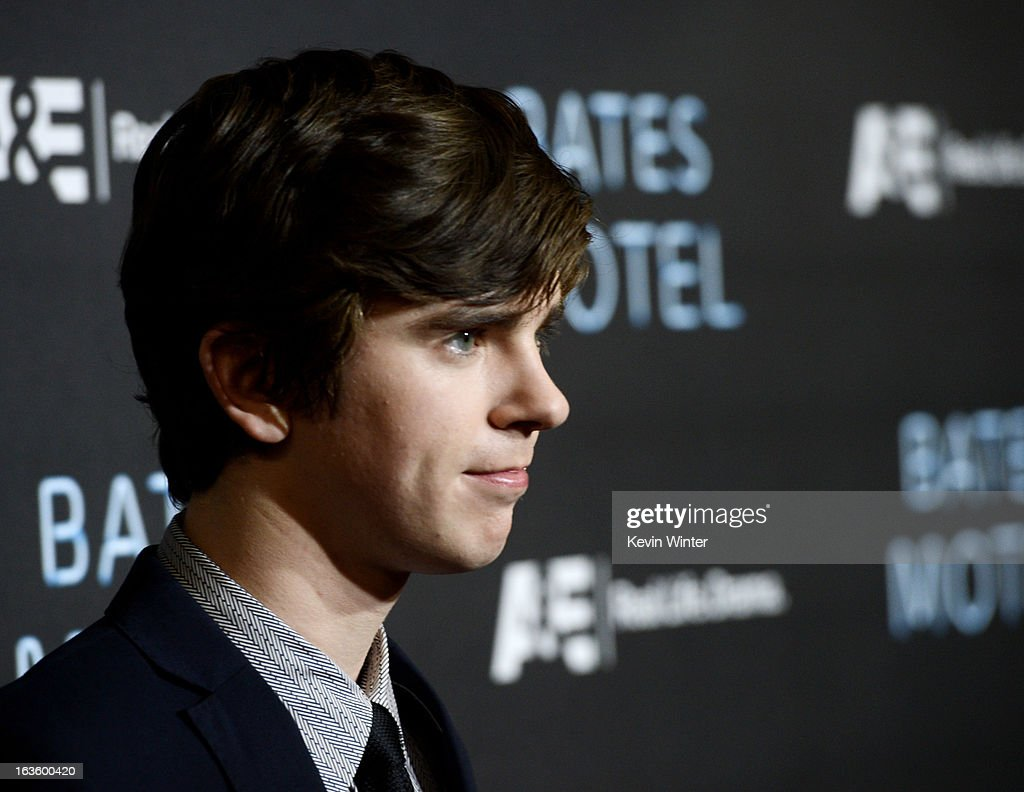 Actor <a gi-track='captionPersonalityLinkClicked' href=/galleries/search?phrase=Freddie+Highmore&family=editorial&specificpeople=210834 ng-click='$event.stopPropagation()'>Freddie Highmore</a> arrives at the premiere of A&E Network's 'Bates Motel' at Soho House on March 12, 2013 in West Hollywood, California.