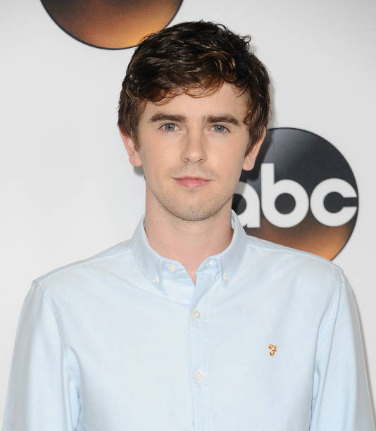 freddie highmore - photo #45