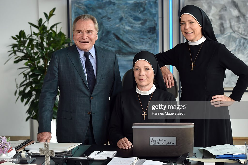 Actor Fritz Wepper, Nina Hoger and Janina Hartwig during a photocall for the tv show 'Um Himmels Willen' at Literaturhaus on May 24, 2016 in Munich, Germany.