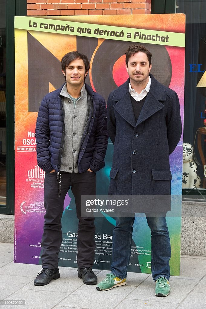 Actor Gael Garcia Bernal (L) and director <a gi-track='captionPersonalityLinkClicked' href=/galleries/search?phrase=Pablo+Larrain&family=editorial&specificpeople=5351700 ng-click='$event.stopPropagation()'>Pablo Larrain</a> (R) attend the 'No' photocall at the Golem cinema on February 7, 2013 in Madrid, Spain.