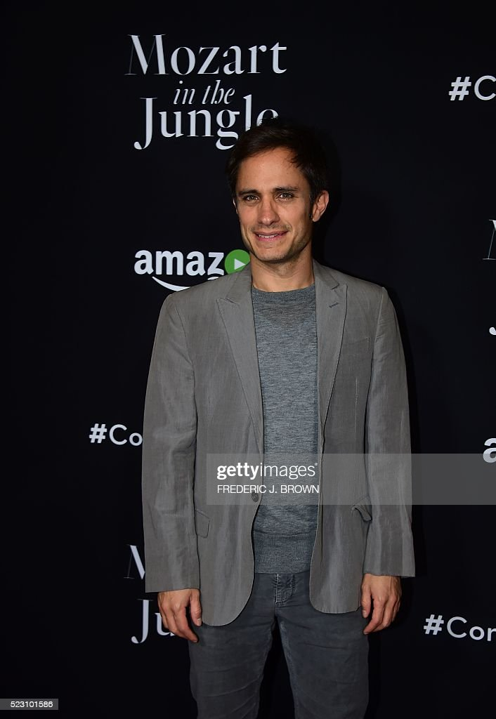 Actor Gael Garcia Bernal poses on arrival for a Special Screening of 'Mozart In The Jungle' in Hollywood, California on April 21, 2016. / AFP / FREDERIC
