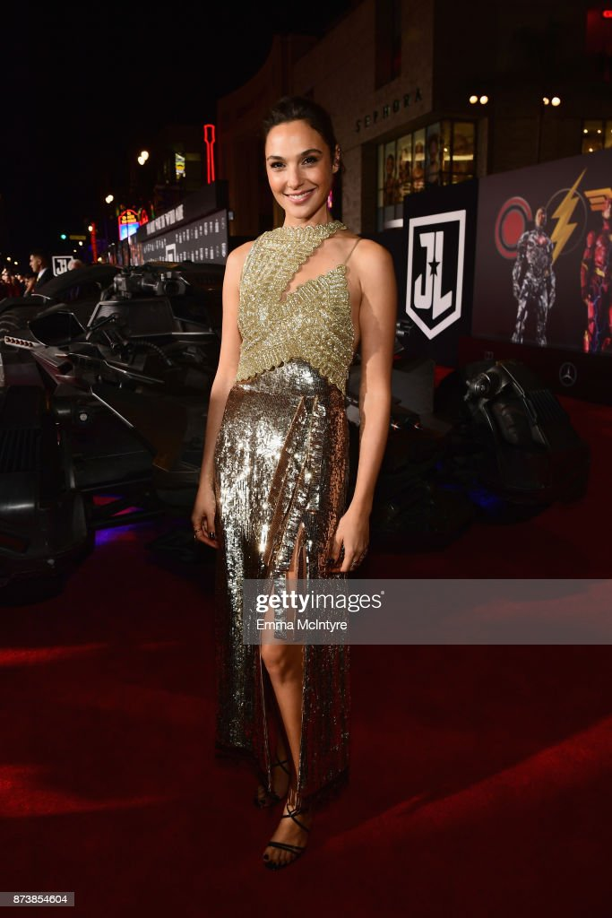 Actor Gal Gadot attends the premiere of Warner Bros. Pictures' 'Justice League' at Dolby Theatre on November 13, 2017 in Hollywood, California.