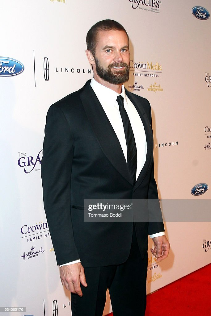 Actor <a gi-track='captionPersonalityLinkClicked' href=/galleries/search?phrase=Garret+Dillahunt&family=editorial&specificpeople=2544340 ng-click='$event.stopPropagation()'>Garret Dillahunt</a> attends the 41st Annual Gracie Awards at Regent Beverly Wilshire Hotel on May 24, 2016 in Beverly Hills, California.