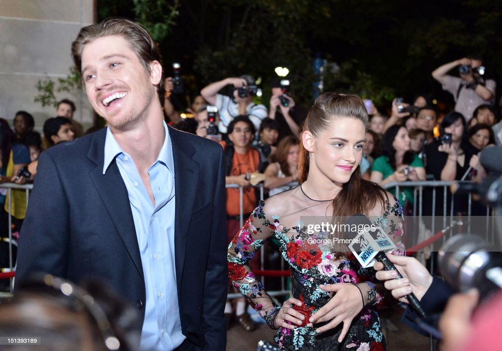 Actor <a gi-track='captionPersonalityLinkClicked' href=/galleries/search?phrase=Garrett+Hedlund&family=editorial&specificpeople=2290407 ng-click='$event.stopPropagation()'>Garrett Hedlund</a> (L) and actress <a gi-track='captionPersonalityLinkClicked' href=/galleries/search?phrase=Kristen+Stewart&family=editorial&specificpeople=2166264 ng-click='$event.stopPropagation()'>Kristen Stewart</a> attend the 'On The Road' premiere during the 2012 Toronto International Film Festivalon September 6, 2012 in Toronto, Canada.