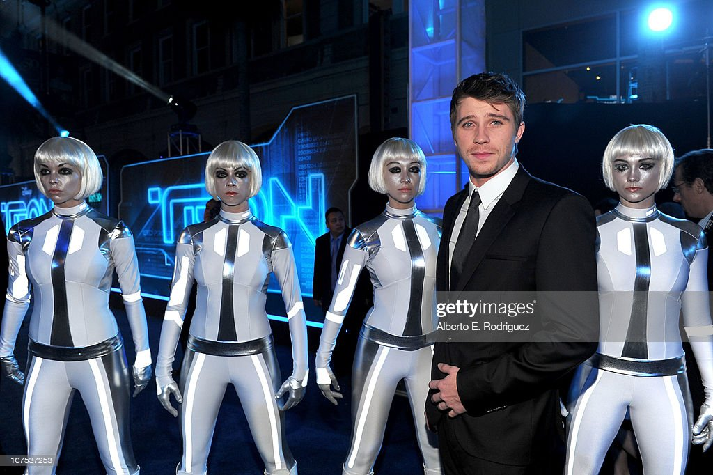 Actor Garrett Hedlund arrives at Walt Disney's 'TRON: Legacy' World Premiere held at the El Capitan Theatre on December 11, 2010 in Los Angeles, California.