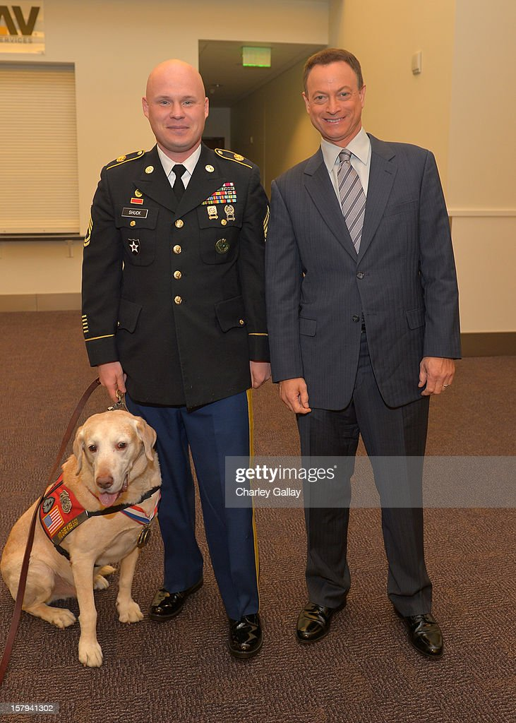 Actor <a gi-track='captionPersonalityLinkClicked' href=/galleries/search?phrase=Gary+Sinise&family=editorial&specificpeople=208981 ng-click='$event.stopPropagation()'>Gary Sinise</a> attends the American Giving Awards presented by Chase held at the Pasadena Civic Auditorium on December 7, 2012 in Pasadena, California.