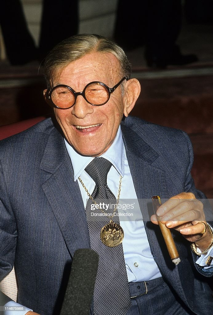 Actor <a gi-track='captionPersonalityLinkClicked' href=/galleries/search?phrase=George+Burns+-+Actor&family=editorial&specificpeople=90939 ng-click='$event.stopPropagation()'>George Burns</a> poses for a portrait in December 1987 in Los Angeles, California.