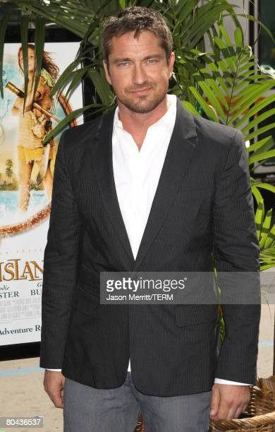 Actor Gerard Butler arrives at the premiere of 20th Century Fox's 'Nim's Island' held at Grauman's Chinese Theater on March 30 2008 in Hollywood...