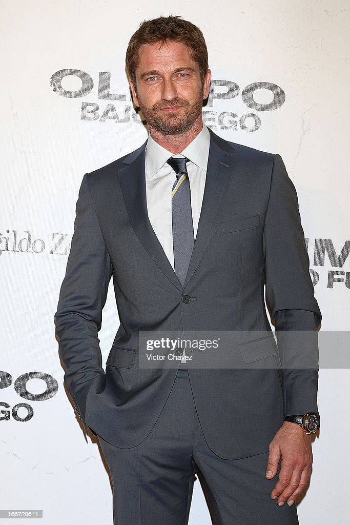 Actor <a gi-track='captionPersonalityLinkClicked' href=/galleries/search?phrase=Gerard+Butler+-+Actor&family=editorial&specificpeople=202258 ng-click='$event.stopPropagation()'>Gerard Butler</a> attends the 'Olympus Has Fallen' Mexico City Premiere red carpet on April 12, 2013 in Mexico City, Mexico.