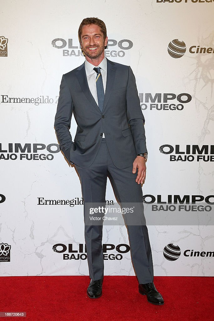 Actor <a gi-track='captionPersonalityLinkClicked' href=/galleries/search?phrase=Gerard+Butler&family=editorial&specificpeople=202258 ng-click='$event.stopPropagation()'>Gerard Butler</a> attends the 'Olympus Has Fallen' Mexico City Premiere red carpet on April 12, 2013 in Mexico City, Mexico.