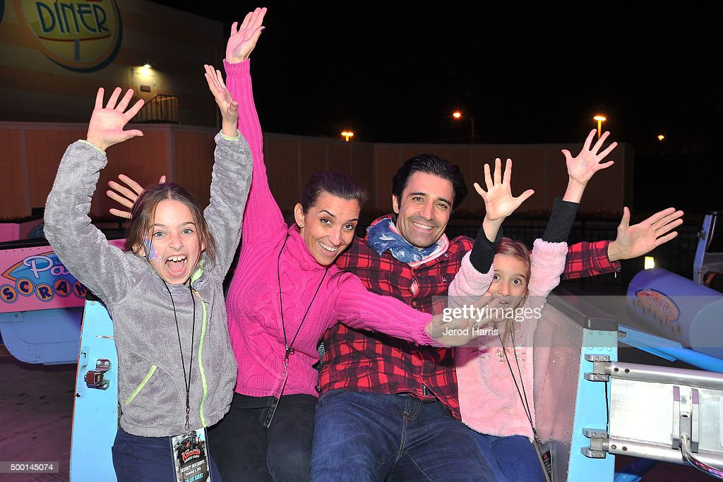 Actor Gilles Marini and family attend Knott's Merry Farm Countdown to Christmas Tree Lighting at Knott's Berry Farm on December 5 2015 in Buena Park...