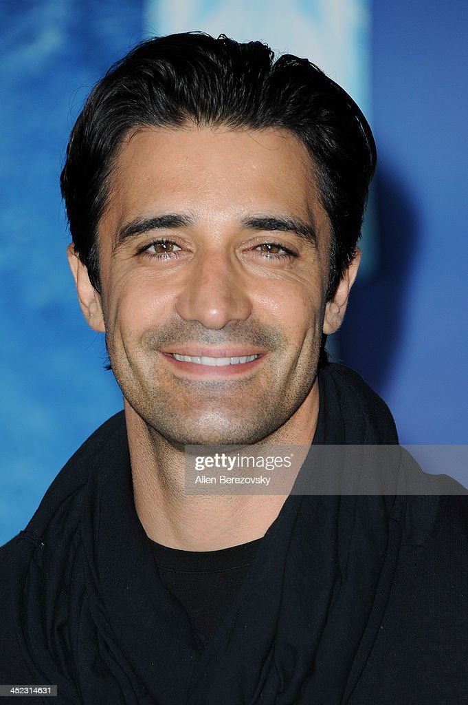 Actor <a gi-track='captionPersonalityLinkClicked' href=/galleries/search?phrase=Gilles+Marini&family=editorial&specificpeople=5360860 ng-click='$event.stopPropagation()'>Gilles Marini</a> arrives at the Los Angeles premiere of Disney's 'Frozen' at the El Capitan Theatre on November 19, 2013 in Hollywood, California.