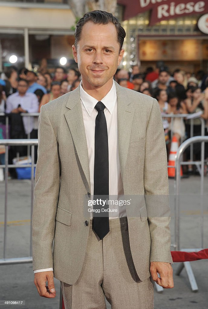Actor <a gi-track='captionPersonalityLinkClicked' href=/galleries/search?phrase=Giovanni+Ribisi&family=editorial&specificpeople=540443 ng-click='$event.stopPropagation()'>Giovanni Ribisi</a> arrives at the Los Angeles premiere of 'A Million Ways To Die In The West' at Regency Village Theatre on May 15, 2014 in Westwood, California.