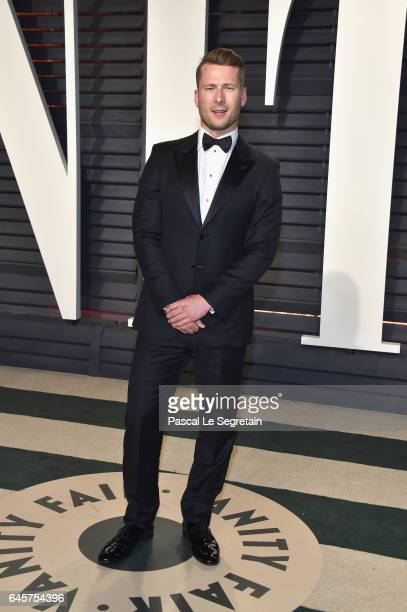 Actor Glen Powell attends the 2017 Vanity Fair Oscar Party hosted by Graydon Carter at Wallis Annenberg Center for the Performing Arts on February 26...