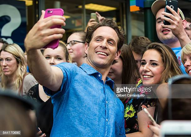 Actor Glenn Howerton poses with fans during filming scenes of season 12 of 'It's Always Sunny In Philadelphia' sitcom on July 1 2016 in Philadelphia...