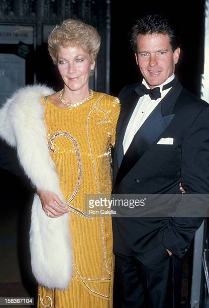 Actor Gordon Thomson and actress Linda Thorson attending 38th Annual Primetime Emmy Awards on September 21 1986 at the Pasadena Civic Auditorium in...