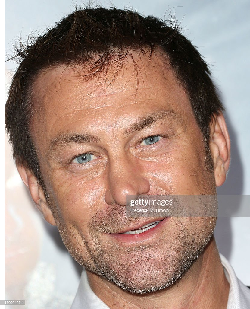 Actor <a gi-track='captionPersonalityLinkClicked' href=/galleries/search?phrase=Grant+Bowler&family=editorial&specificpeople=453292 ng-click='$event.stopPropagation()'>Grant Bowler</a> attends the Premiere of Paramount Pictures' 'Hansel And Gretel Witch Hunters' at the TCL Chinese Theatre on January 24, 2013 in Hollywood, California.