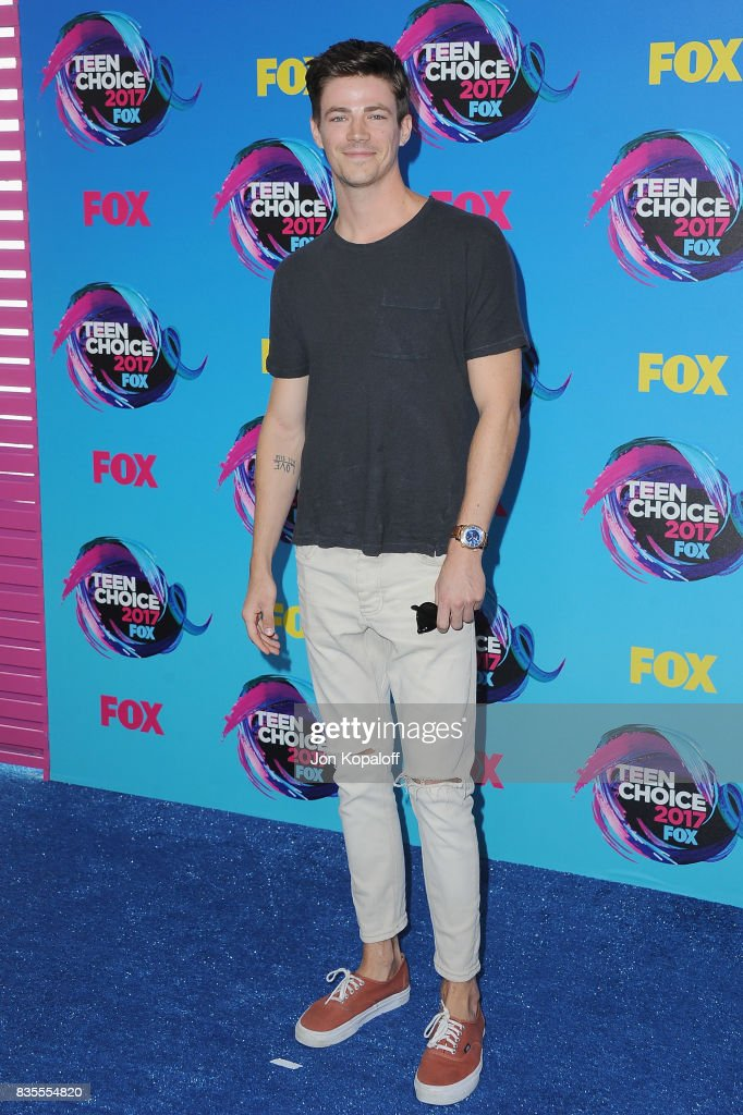 Actor Grant Gustin arrives at the Teen Choice Awards 2017 at Galen Center on August 13, 2017 in Los Angeles, California.