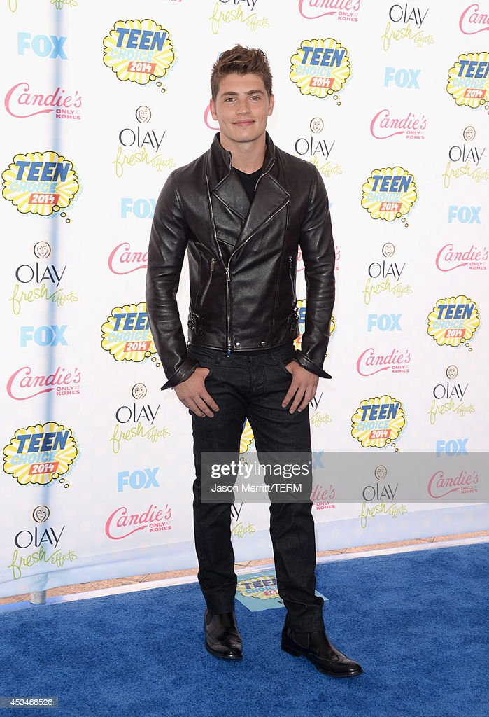Actor <a gi-track='captionPersonalityLinkClicked' href=/galleries/search?phrase=Gregg+Sulkin&family=editorial&specificpeople=3970071 ng-click='$event.stopPropagation()'>Gregg Sulkin</a> attends FOX's 2014 Teen Choice Awards at The Shrine Auditorium on August 10, 2014 in Los Angeles, California.