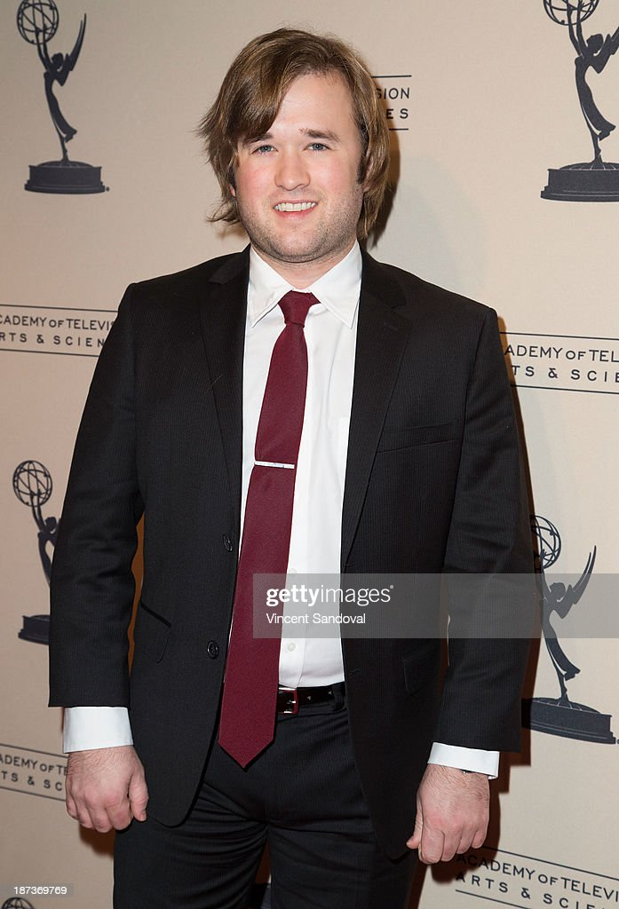 Actor <a gi-track='captionPersonalityLinkClicked' href=/galleries/search?phrase=Haley+Joel+Osment&family=editorial&specificpeople=234648 ng-click='$event.stopPropagation()'>Haley Joel Osment</a> attends The Television Academy presents Amazon Studios at The Television Academy at Leonard H. Goldenson Theatre on November 7, 2013 in North Hollywood, California.