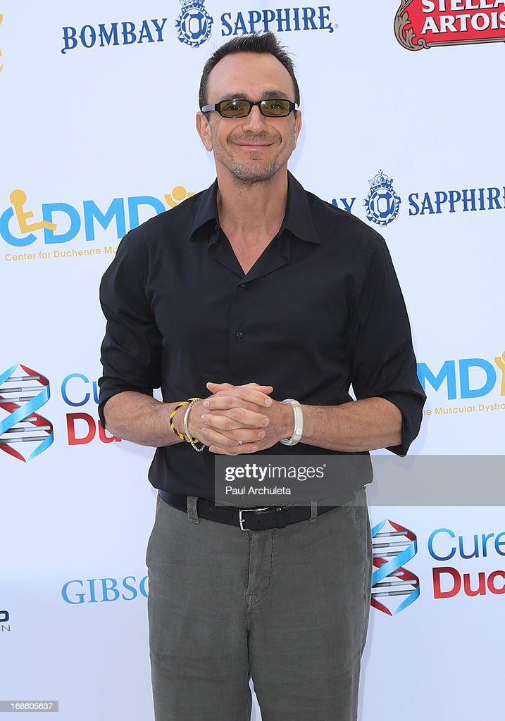Actor <a gi-track='captionPersonalityLinkClicked' href=/galleries/search?phrase=Hank+Azaria&family=editorial&specificpeople=204150 ng-click='$event.stopPropagation()'>Hank Azaria</a> attends the 2013 Duchenne Gala at Sony Pictures Studios on May 11, 2013 in Culver City, California.