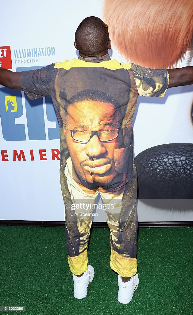 Actor Hannibal Buress (back view of outfit) attends the 'Secret Life Of Pets' New York premiere on June 25, 2016 in New York City.