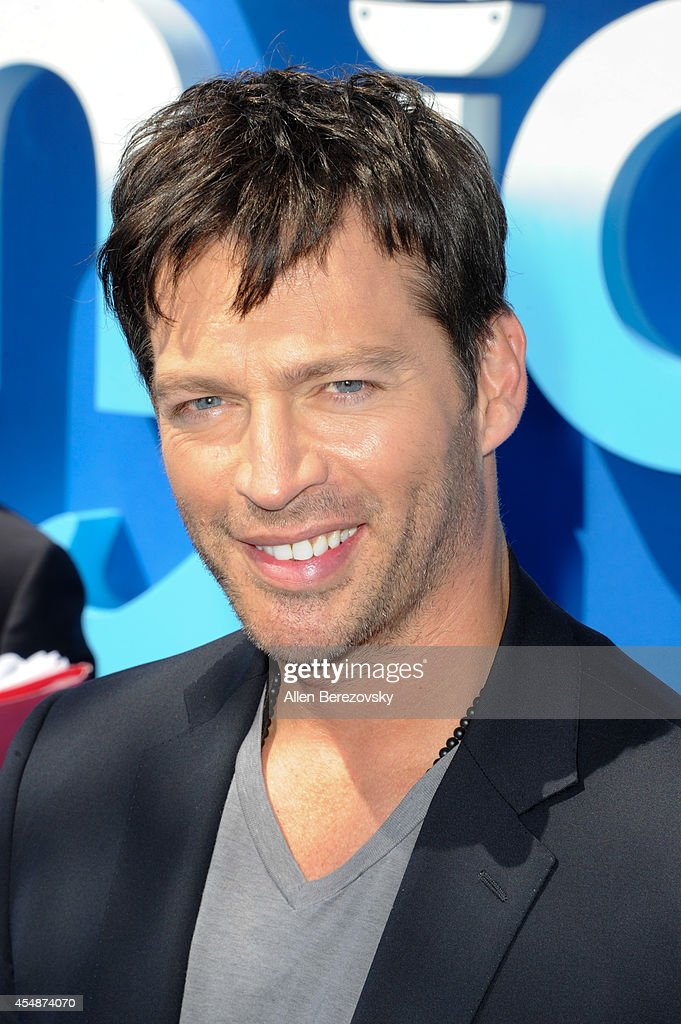 Actor Harry Connick, Jr. attends the Los Angeles Premiere of 'Dolphin Tale 2' at Regency Village Theatre on September 7, 2014 in Westwood, California.