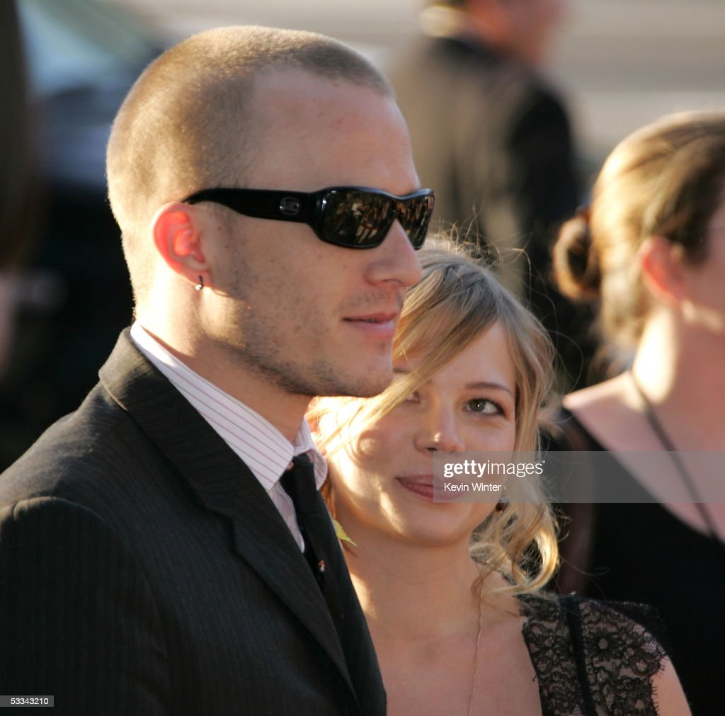 Actor Heath Ledger and actress Michelle Williams arrive at the premiere of 'The Brothers Grimm' at the DGA Theater on August 8, 2005 in Los Angeles, California.