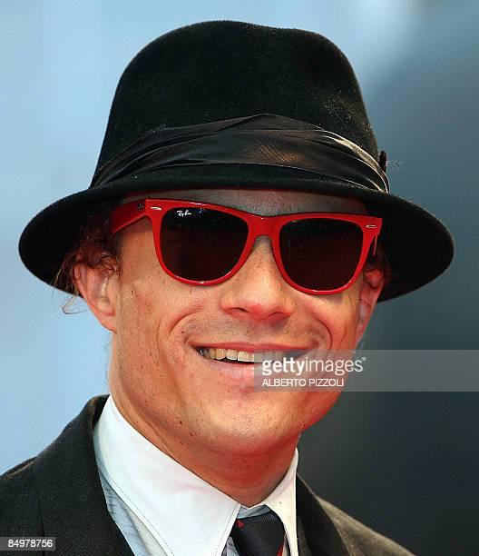 US actor Heath Ledger poses as he arrives for the screening of his movie 'I'm not there' during the 64th Venice International Film Festival at Venice...
