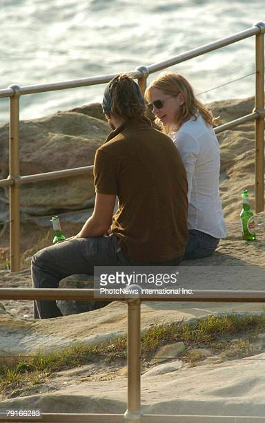 Actor Heath Ledger with actress girlfriend Michelle Williams in Bondi Beach January 3 2005 in Sydney Australia The pair were living in Australia and...