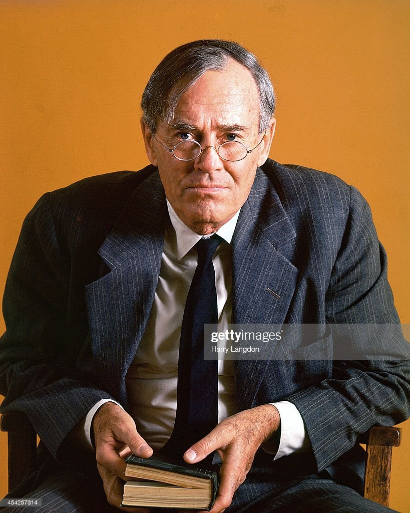 Actor <a gi-track='captionPersonalityLinkClicked' href=/galleries/search?phrase=Henry+Fonda&family=editorial&specificpeople=93512 ng-click='$event.stopPropagation()'>Henry Fonda</a> poses for a portrait in 1979 in Los Angeles, California.