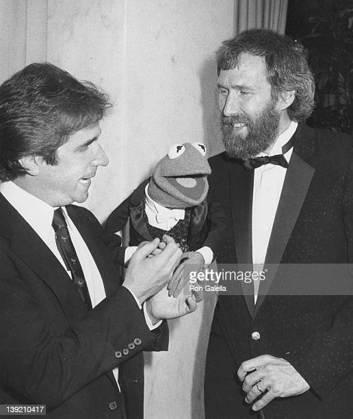 Actor Henry Winkler and Jim Henson attending 'The National Council for Children and Television Career Achievement Awards' on March 13 1983 at the...